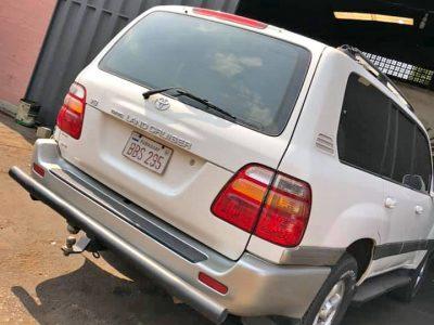 Vendo Land Cruiser versión Americana Año 2000